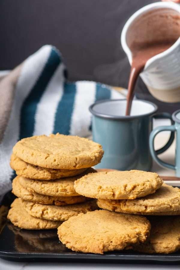 To show using Fresh & Wild Sweet Corn Powder to bake the famous Momofuku Milk Bar Corn Cookies